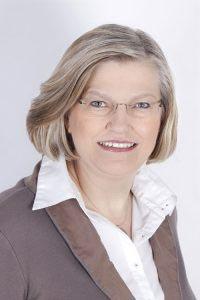 Regina Wrogemann, Sekretariat